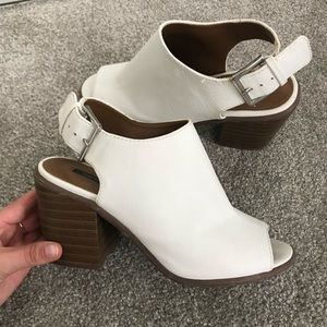 White leather mules with back strap